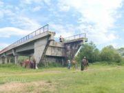 (VIDEO) Ovo ima samo u Srbiji: Leskovčani imaju most, ali se na njega penju merdevinama