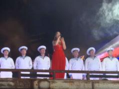 (VIDEO) Da se naježiš: Jelena Tomašević sa horom Crnomorske mornarice na Krimu otpevala Kosovski božuri