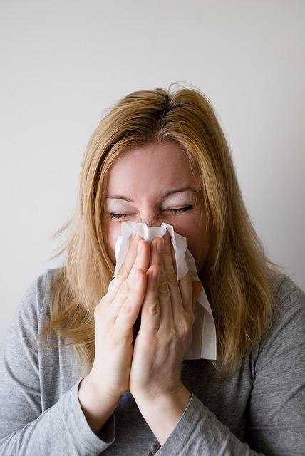 Prirodni lek za prehladu i kašalj: Napravite ga za čas, delovaće odmah!