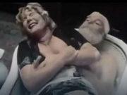 Pamtite je kao služavku u Maratoncima: Prevarili je za čuvenu scenu u kadi, iz filma izbačena još jedna golotonja, a evo kako izgleda u 80. godini