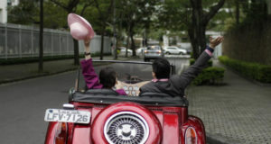 (FOTO) Prodaje automobil jer nije dobro razumeo ženu: Hit oglas zbog kojeg se svi valjaju od smeha